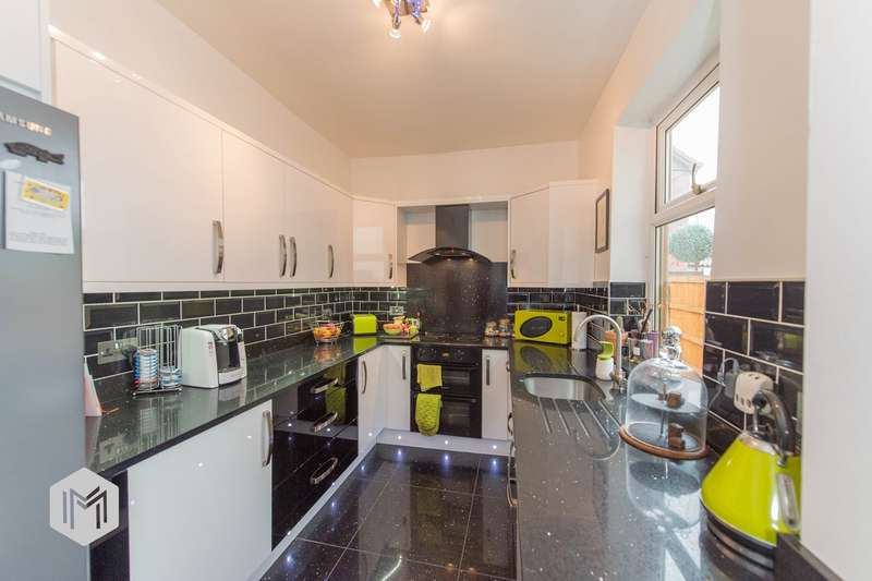 3 Bedrooms Terraced House for sale in Hindley Road, Westhoughton, Bolton, BL5