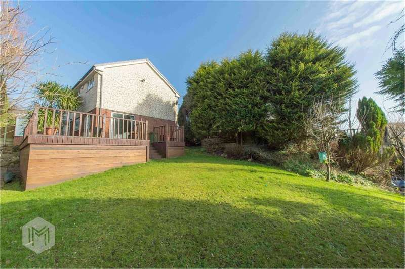 4 Bedrooms Detached House for sale in Lower Makinson Fold, Horwich, Bolton, BL6