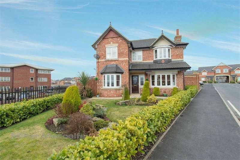 4 Bedrooms Detached House for sale in Aspinall Close, Horwich, Bolton, BL6