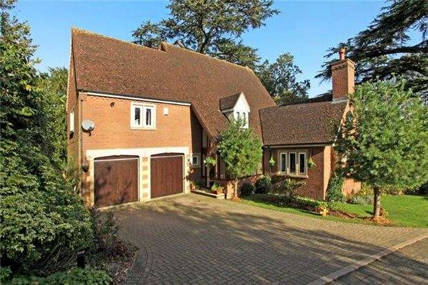 4 Bedrooms Detached House for sale in Robinswood Lodge, GLOUCESTER, GL4 6DX