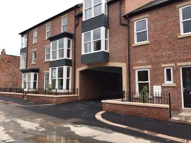 3 Bedrooms Maisonette Flat for sale in Unit 10, Thornton Court, Carlisle, CA3 9HZ