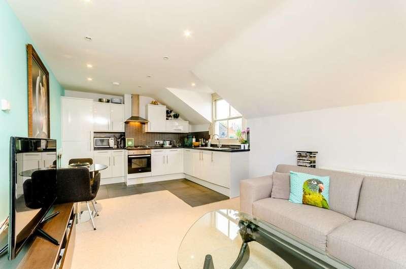 1 Bedroom Flat for sale in Alton Road, Roehampton, SW15