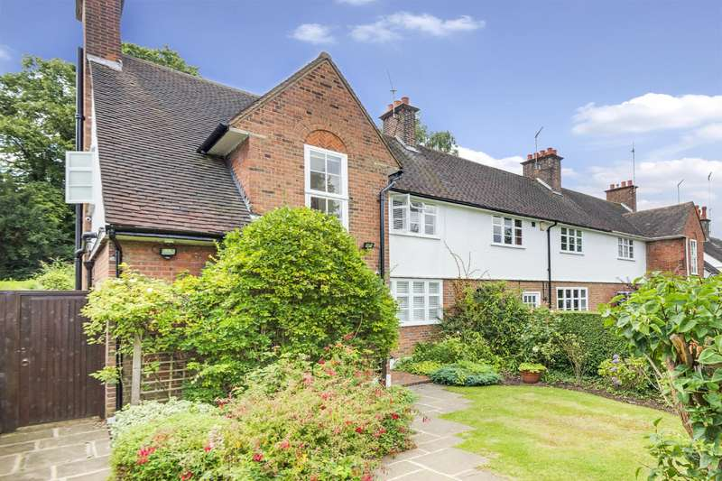 3 Bedrooms House for sale in Erskine Hill, Hampstead Garden Suburb