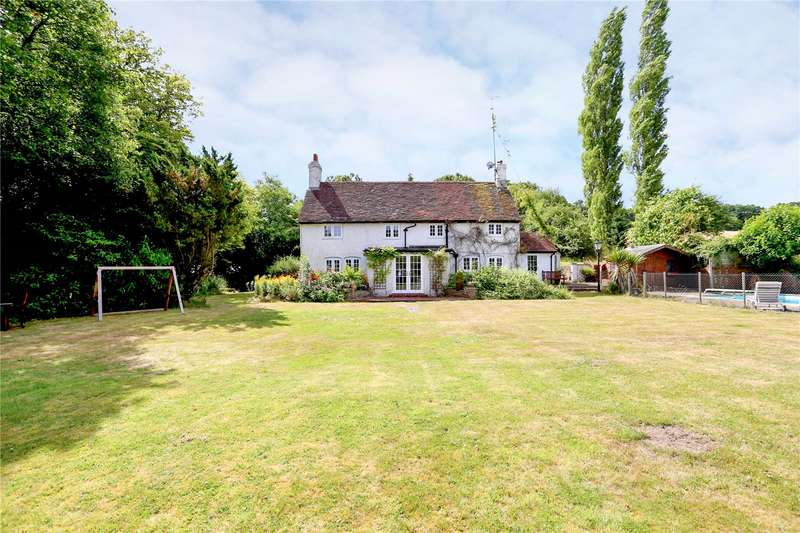 5 Bedrooms Detached House for sale in Farnham Road, Sleaford, Bordon, Hampshire, GU35