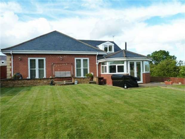 3 Bedrooms Detached Bungalow for sale in First Row, Linton Colliery, Morpeth, Northumberland