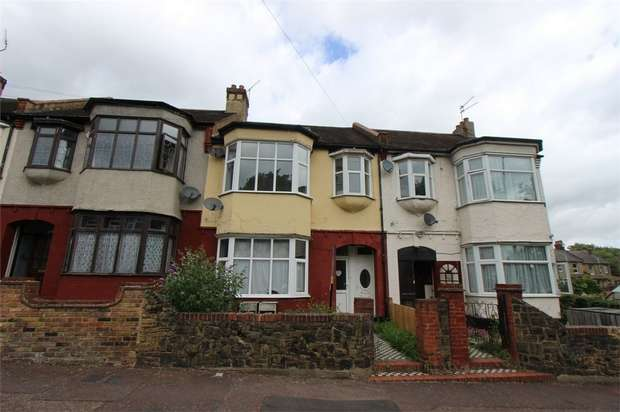 2 Bedrooms Flat for sale in 33a Portland Avenue, SOUTHEND-ON-SEA, Essex