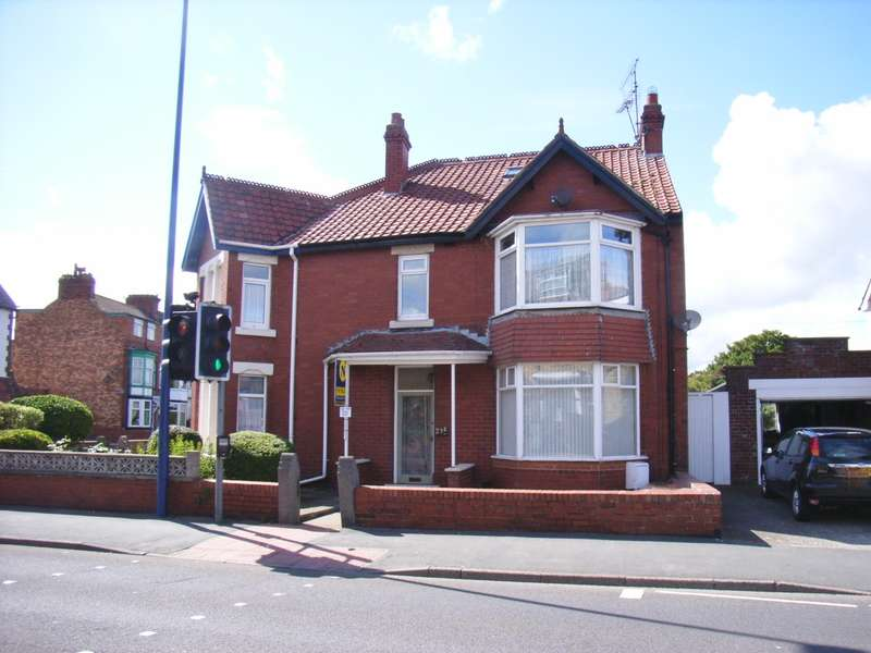 3 Bedrooms Apartment Flat for sale in Station Road, Filey