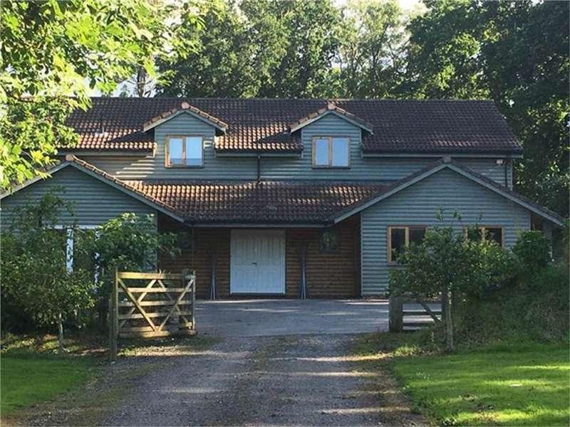 4 Bedrooms Detached House for sale in Wellington, Somerset