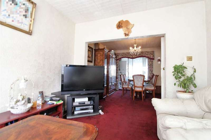 3 Bedrooms Semi Detached House for sale in Taunton Way, Stanmore
