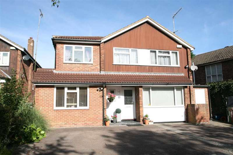 4 Bedrooms Detached House for sale in Magnaville Road, Bushey Heath, Bushey