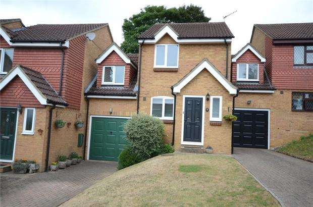 3 Bedrooms Link Detached House for sale in Windmill Road, Aldershot, Hampshire