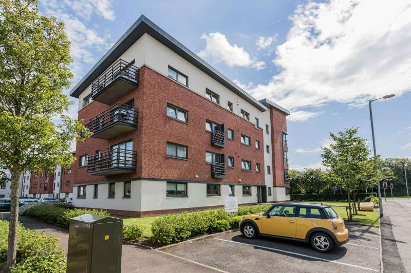 2 Bedrooms Flat for sale in Mulberry Square, Ferry Village, Renfrew, Renfrewshire, PA4 8AR