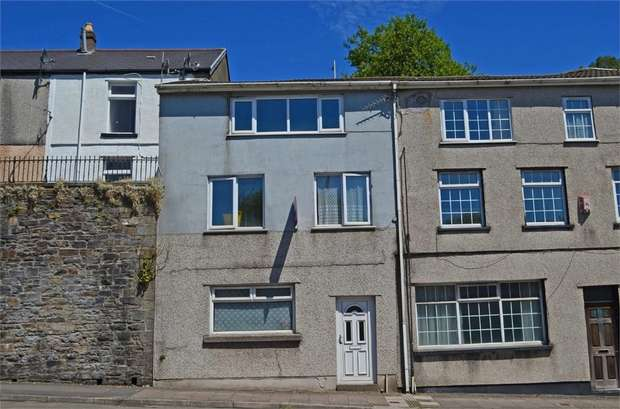 4 Bedrooms Terraced House for sale in Ystrad Road, Pentre, Mid Glamorgan
