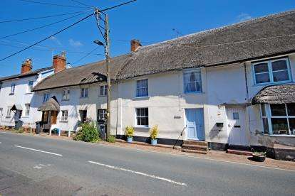 4 Bedrooms Terraced House for sale in Sidford, Sidmouth, Devon