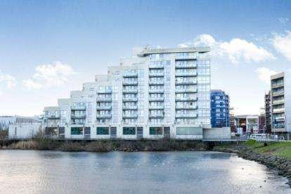 2 Bedrooms Flat for sale in Watermark, Ferry Road, Cardiff, Caerdydd