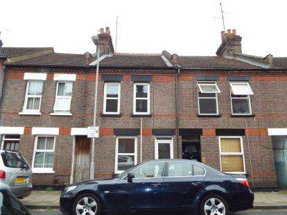 3 Bedrooms Terraced House for sale in Frederick Street, Luton, Bedfordshire