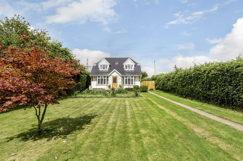 3 Bedrooms Detached House for sale in Horndean, Hampshire