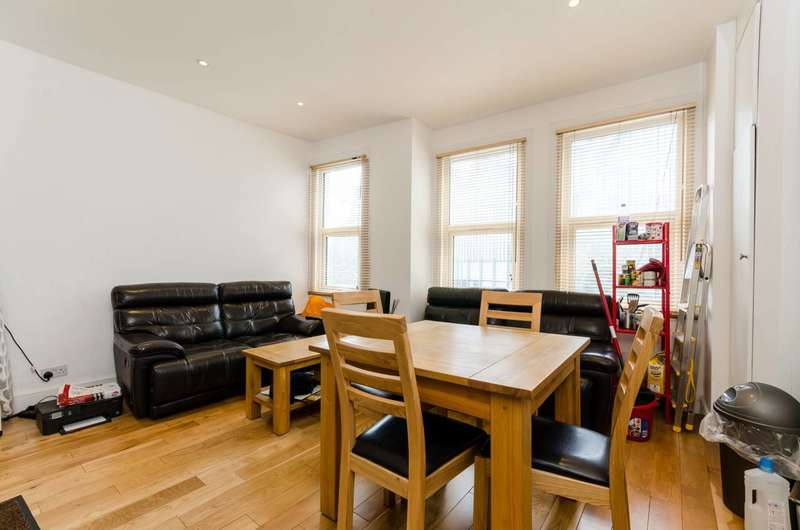 4 Bedrooms Flat for sale in Townmead Road, Fulham, SW6