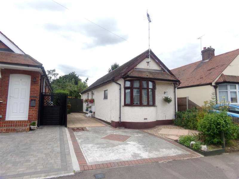 2 Bedrooms Bungalow for sale in Bruce Grove, Chelmsford