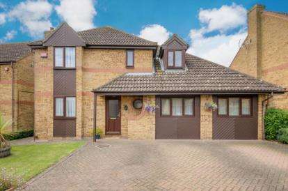 4 Bedrooms Detached House for sale in Cartmel Close, Bletchley, Milton Keynes