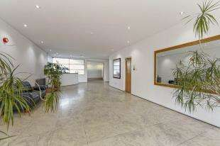 2 Bedrooms Flat for sale in Fitzroy Court, 6 Whitehorse Road, Croydon