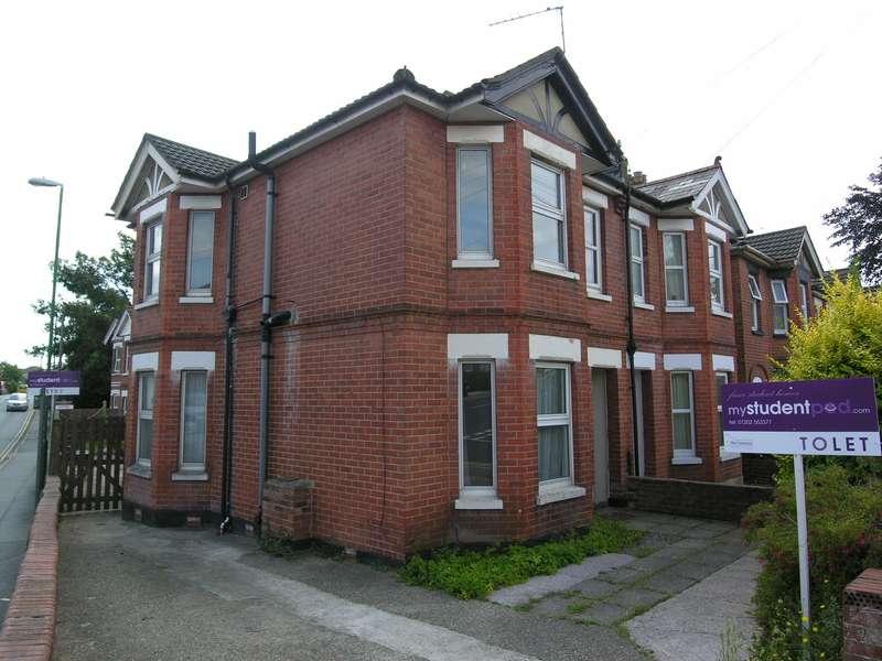 5 Bedrooms House for rent in 5 bedroom House in Winton
