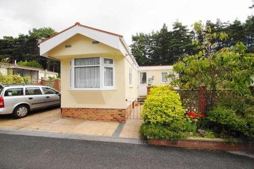 2 Bedrooms Detached House for sale in Sunnyside Park, Ringwood