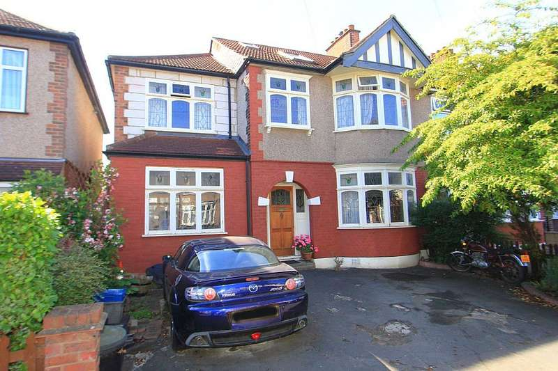 4 Bedrooms End Of Terrace House for sale in Galsworthy Avenue, Romford, London, RM6 4PX