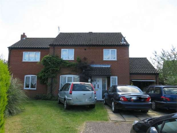 4 Bedrooms Detached House for sale in Brancaster Way, Swaffham, Norfolk