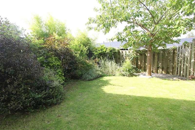 4 Bedrooms Semi Detached House for sale in Birchwood Close, Totnes, Devon, TQ9 5GB