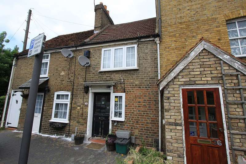1 Bedroom Terraced House for sale in Church Street, Ware, Hertfordshire