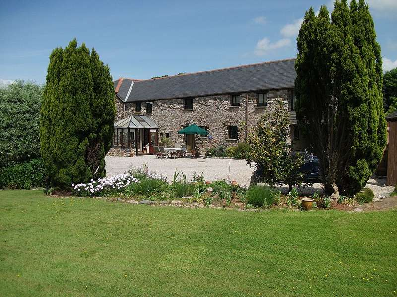 4 Bedrooms Link Detached House for sale in The Linhay, Court Barton, Coffinswell, Newton Abbot, Devon, TQ12 4SS