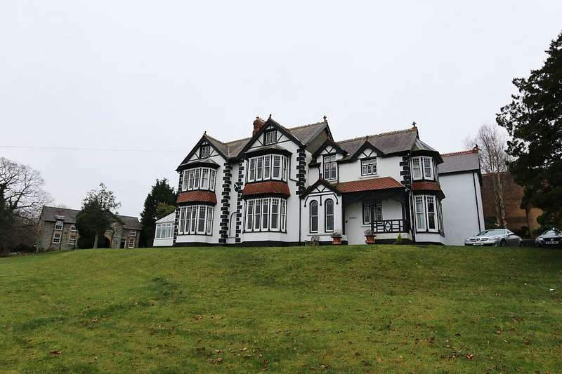6 Bedrooms Detached House for sale in Gwynfryn, Newcastle Emlyn, Sir Gaerfyrddin, SA38 9LL