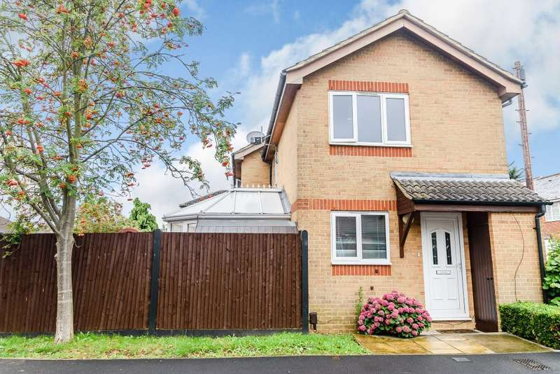 2 Bedrooms Semi Detached House for sale in Alpha Road, London, Middlesex UB10