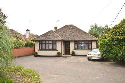 2 Bedrooms Bungalow for sale in Stambridge, Rochford, Essex
