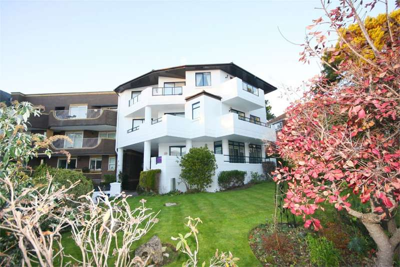 2 Bedrooms Apartment Flat for sale in Banks Road, Sandbanks, Poole, BH13