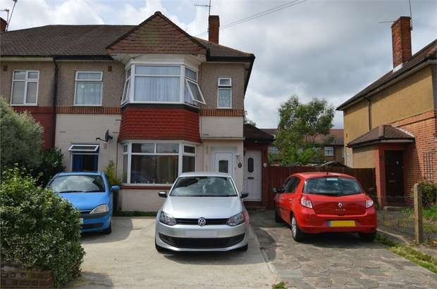 2 Bedrooms Maisonette Flat for sale in Glenloch Road, Enfield, Greater London