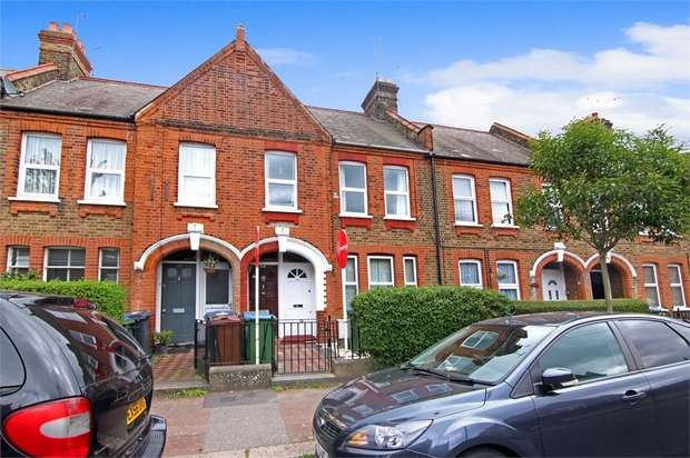 2 Bedrooms Flat for sale in Fleeming Road, Walthamstow, London