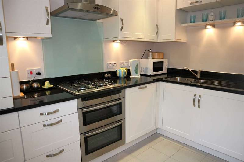 1 Bedroom Apartment Flat for sale in Luxmoore House, New Dover Road
