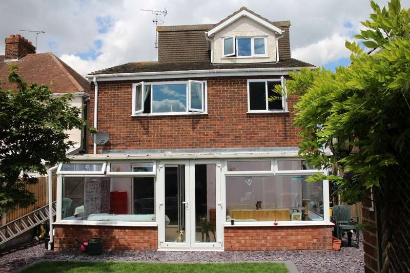 5 Bedrooms Detached House for sale in London Road, Benfleet