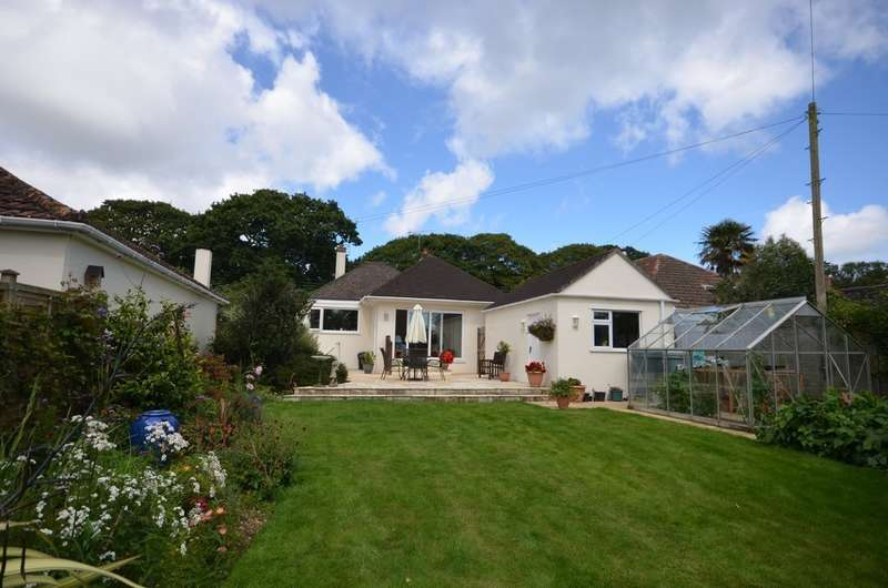 3 Bedrooms Detached Bungalow for sale in Old Coach Road, Playing Place