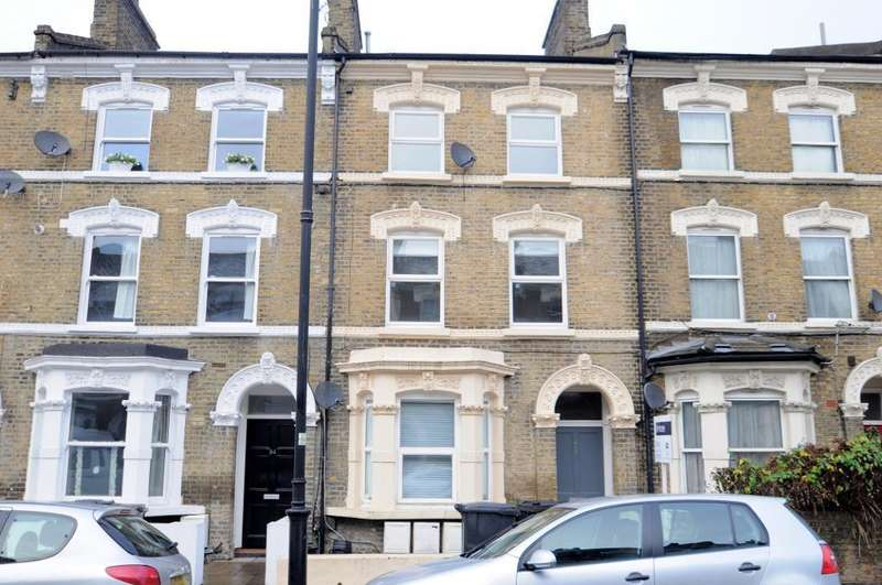 Terraced House for sale in Ferndale Road, London, SW4 7SE