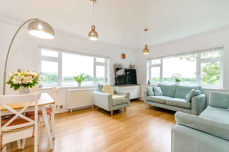 2 Bedrooms Flat for sale in Portsmouth Road, Surbiton, KT6