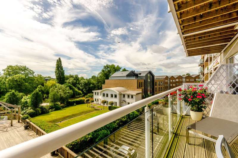 4 Bedrooms Flat for sale in Kew Bridge Road, Kew Bridge, TW8