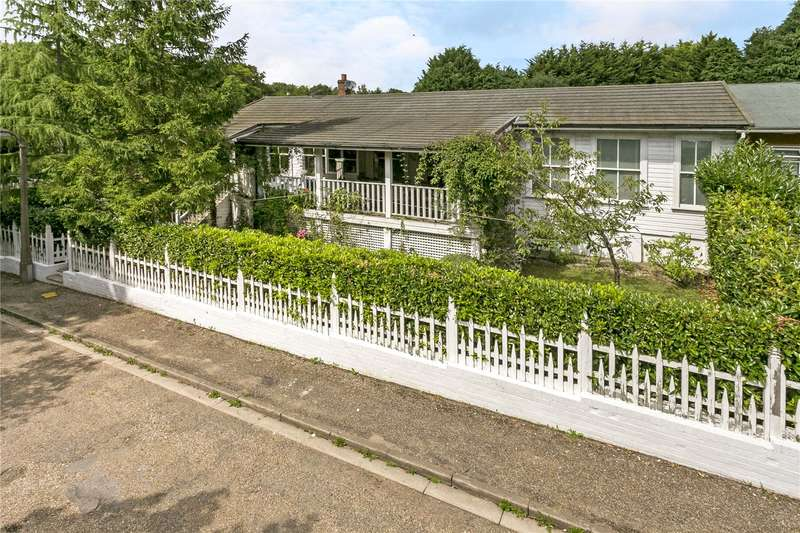 3 Bedrooms Semi Detached Bungalow for sale in Finnamore Wood, Frieth Road, Marlow, Buckinghamshire, SL7