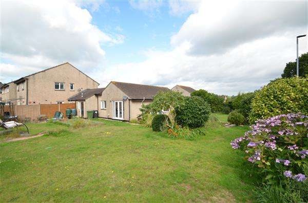 3 Bedrooms Bungalow for sale in Fairlea Close, Dawlish