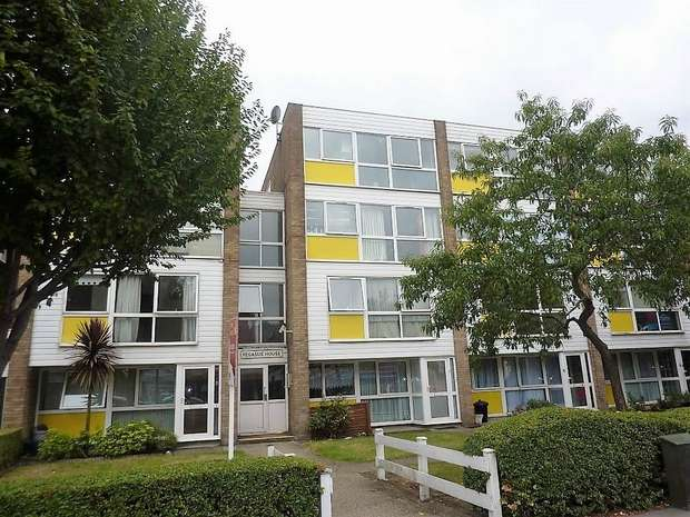 Flat for sale in Pegasus House, Crossbrook Street, Cheshunt, Hertfordshire