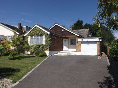 4 Bedrooms Bungalow for sale in Wickford, Essex, .