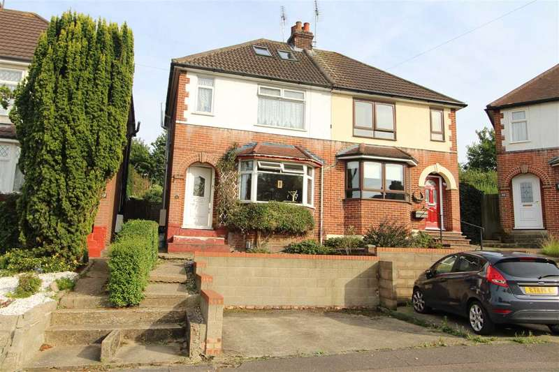 3 Bedrooms Semi Detached House for sale in Rosebery Avenue, Colchester