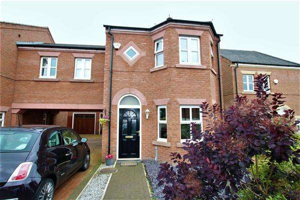 3 Bedrooms Detached House for sale in Dorchester Avenue, Walton-le-Dale, Preston